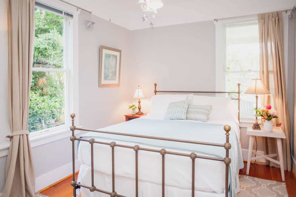 Airbnb Seattle near Alki Beach