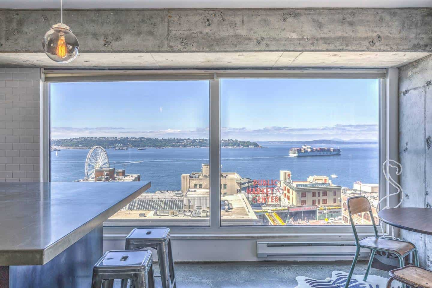 Airbnb Seattle Pike Place Market - those views are gorgeous!