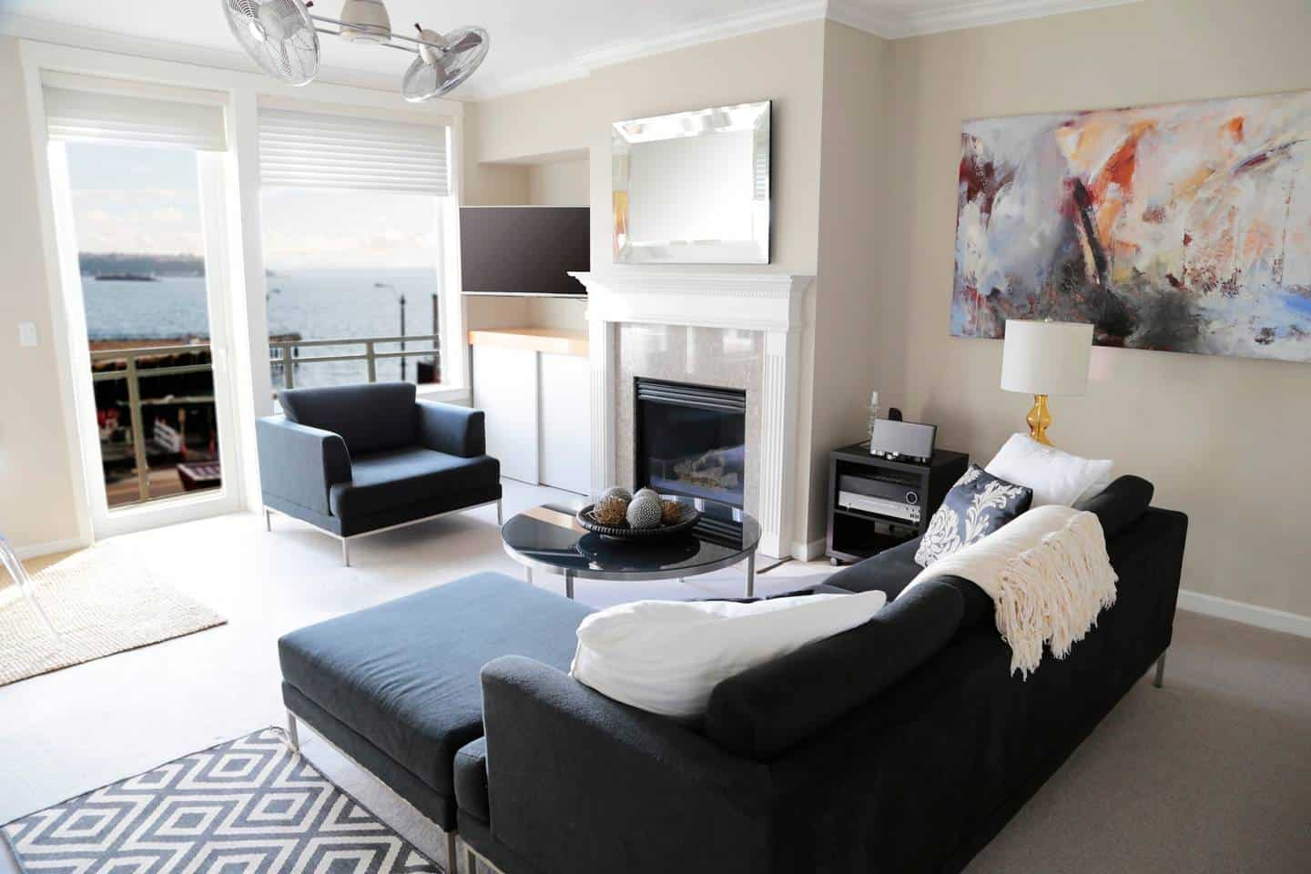 Our pick for a budget Airbnb Seattle Waterfront stay