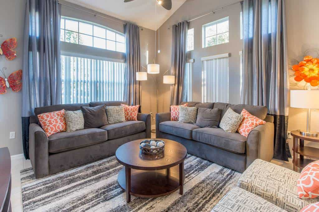 Check out this fantastic budget Airbnb in Orlando. Beautiful, hosts up to 12 guests!