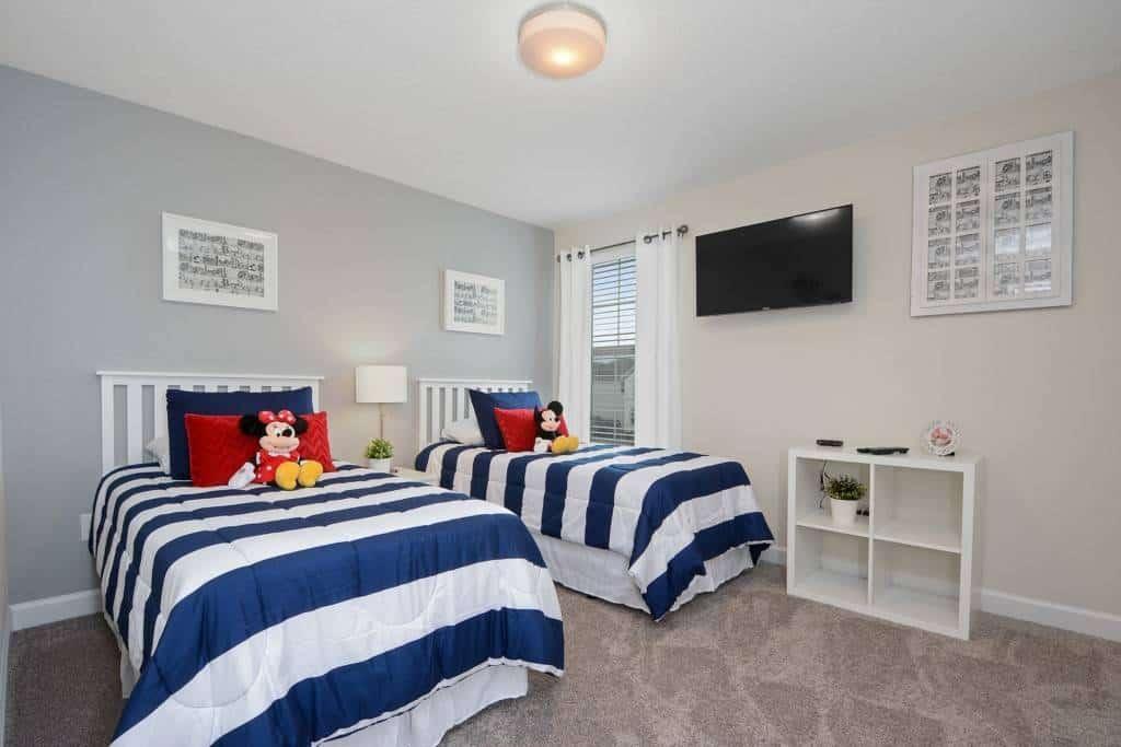 Luxury Airbnb Rental in Orlando - Sleeps 12!