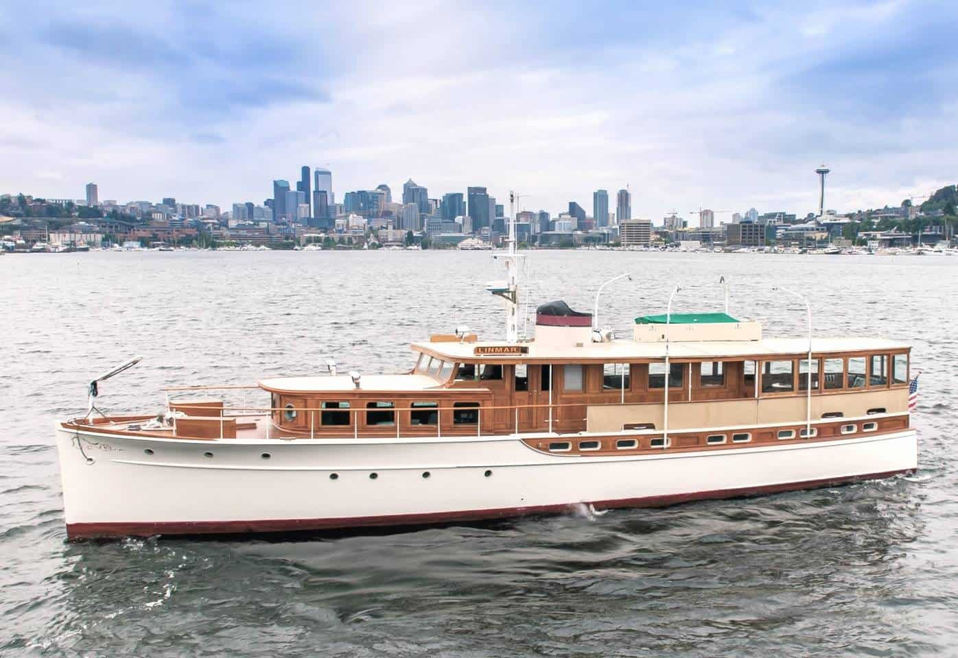 Yacht on Airbnb Seattle Lake Union
