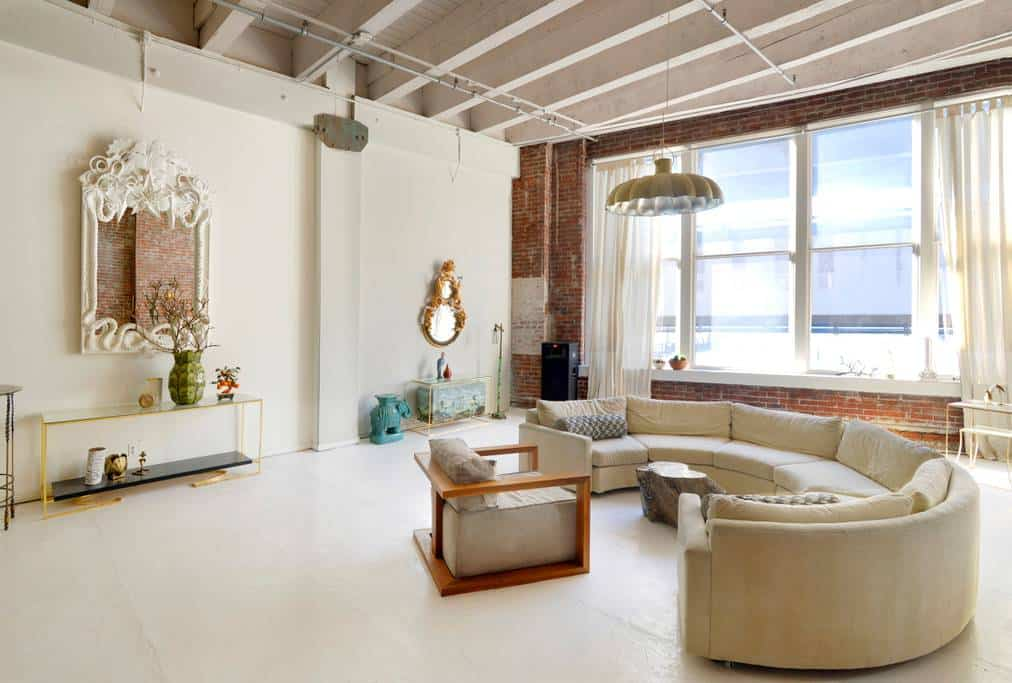 Amazing Designer Downtown Seattle Airbnb Loft