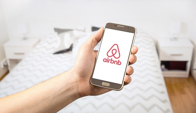 Airbnb Tips: only pay via Airbnb's site