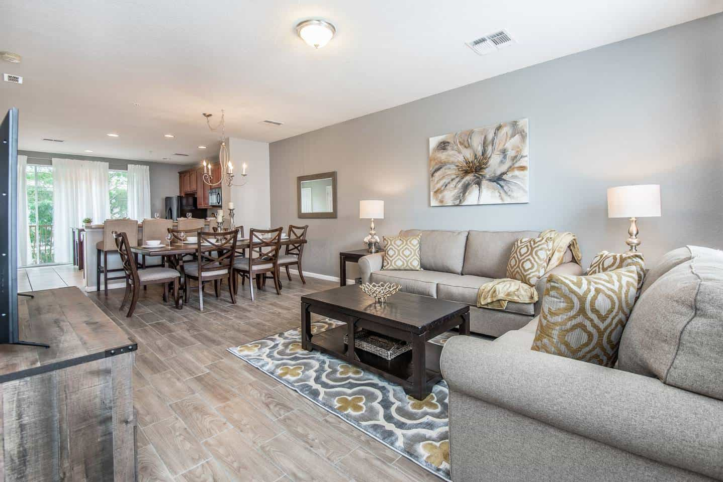 Dreamy! Luxury condo listed on Airbnb Orlando. Close to Seaworld and Universal