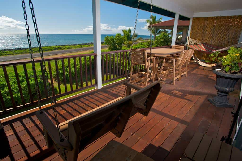 Dreamy Airbnb in Kauai! Enjoy the oceanviews from this gorgeous vacation rental!