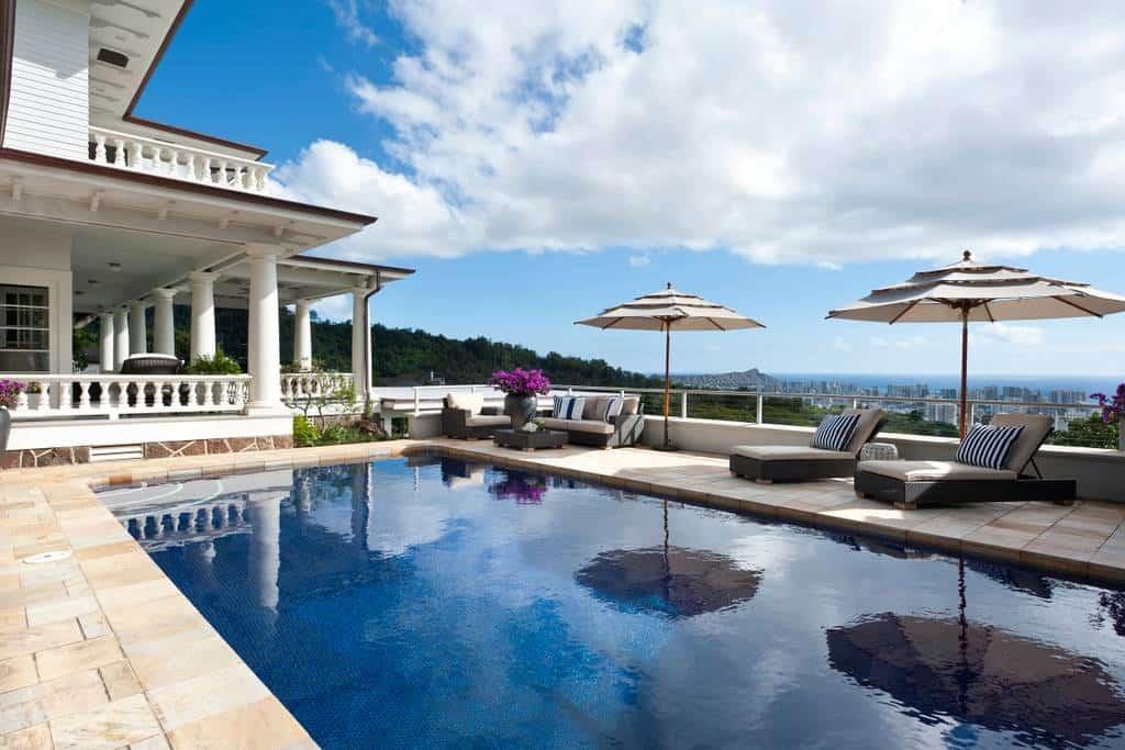 Now that's DREAMY...Gorgeous Airbnb Honolulu Rental that Sleeps 12