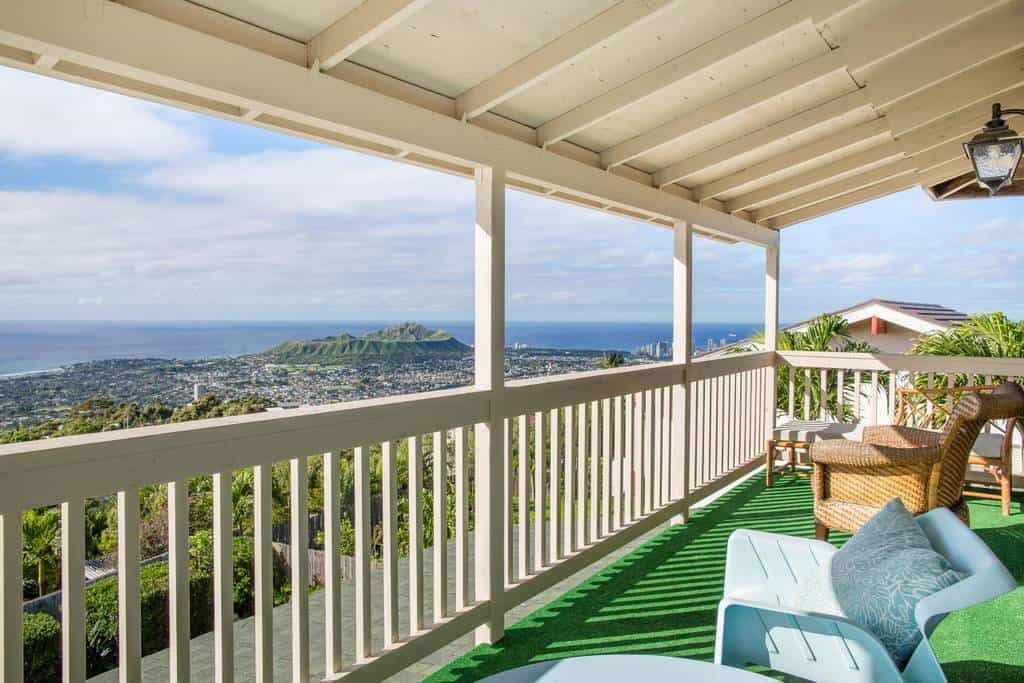 Honolulu Airbnb. Located in Kahala neighborhood on island of Oahu