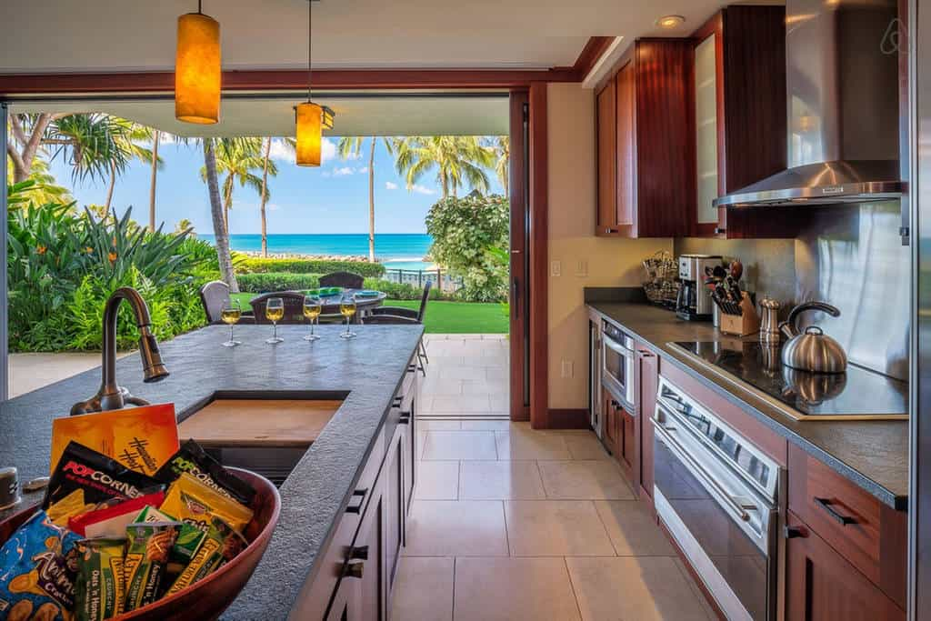 Dreamy! Luxury condo listed on Airbnb Oahu.