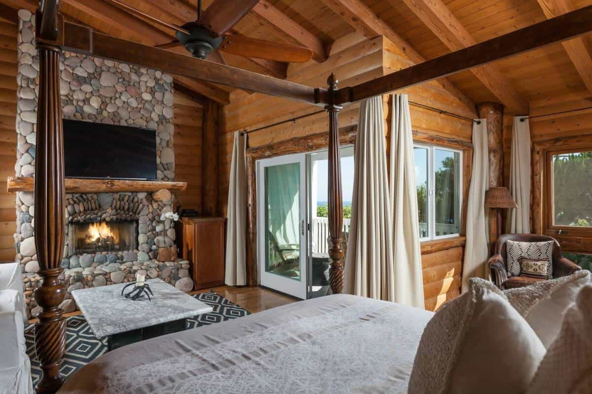Wow! Luxury Airbnb rental near Laguna Beach - you have to see the pictures.
