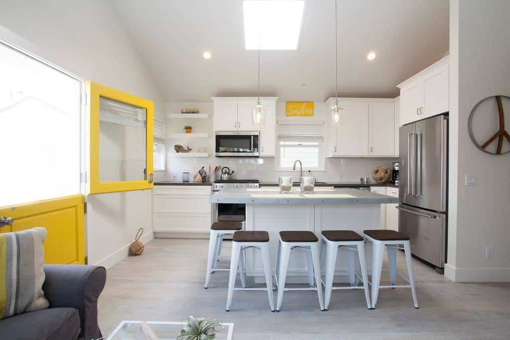 Enjoy the Sunshine House - a beautiful budget Newport Beach Airbnb!