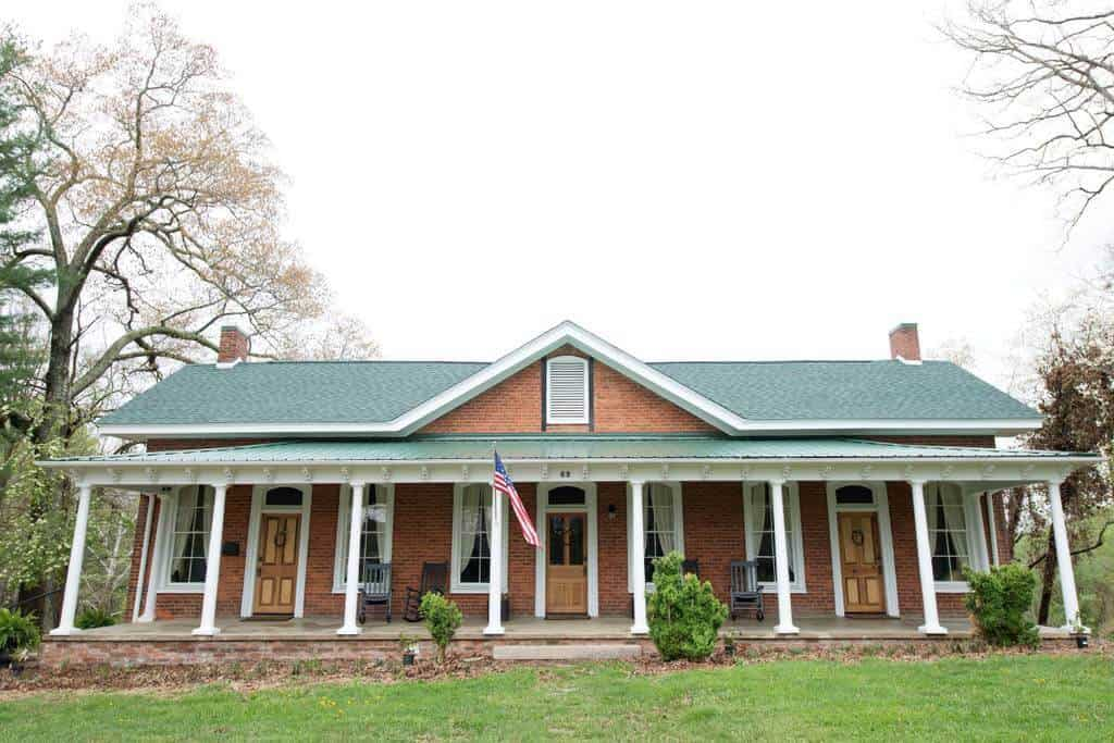 Check out this fantastic budget Airbnb near Asheville