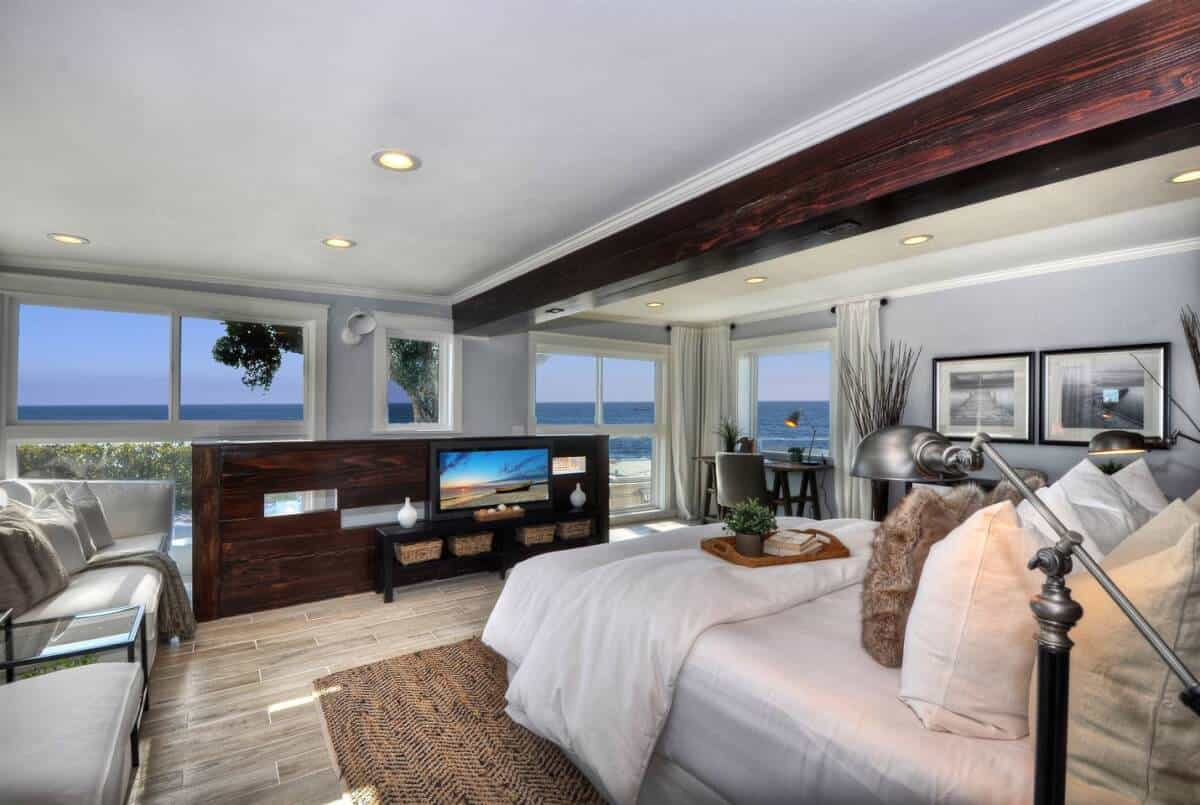 Wow! Luxury Airbnb Laguna Beach rental that is modern, clean and dreamy!