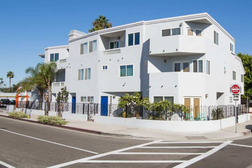Wow! Check out this modern, comfortable Newport Beach Air b and b
