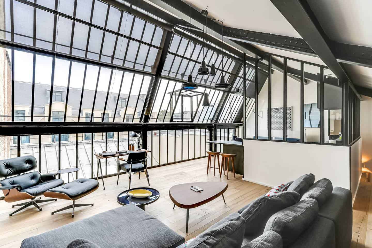 Wow! This Airbnb Paris listing near Concorde is dreamy. You have to see the pictures!