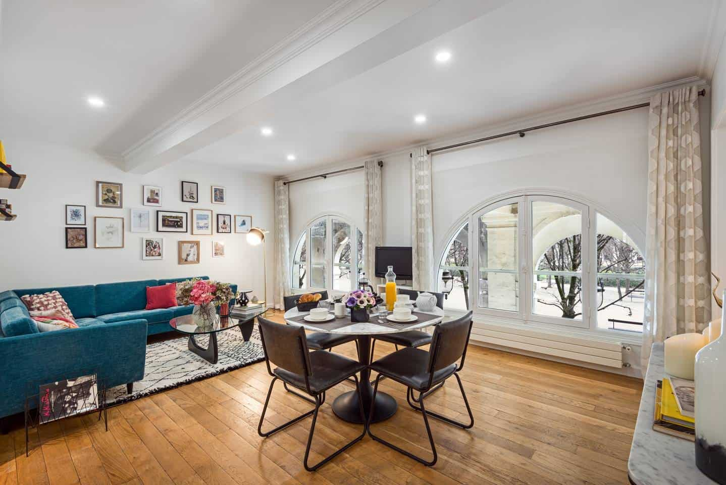 Wow! This Airbnb Paris listing near Palais Royal is dreamy. You have to see the pictures!