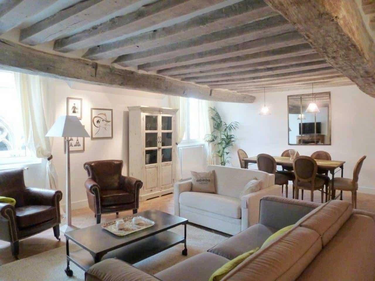 Wow! This Airbnb Paris listing near Île de la Cité is dreamy. You have to see the pictures!