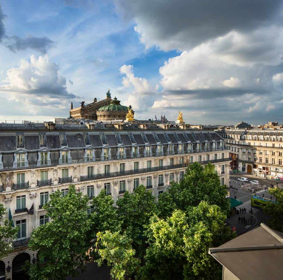 Wow! This Airbnb Paris listing near Place de l'Opéra is dreamy. You have to see the pictures!
