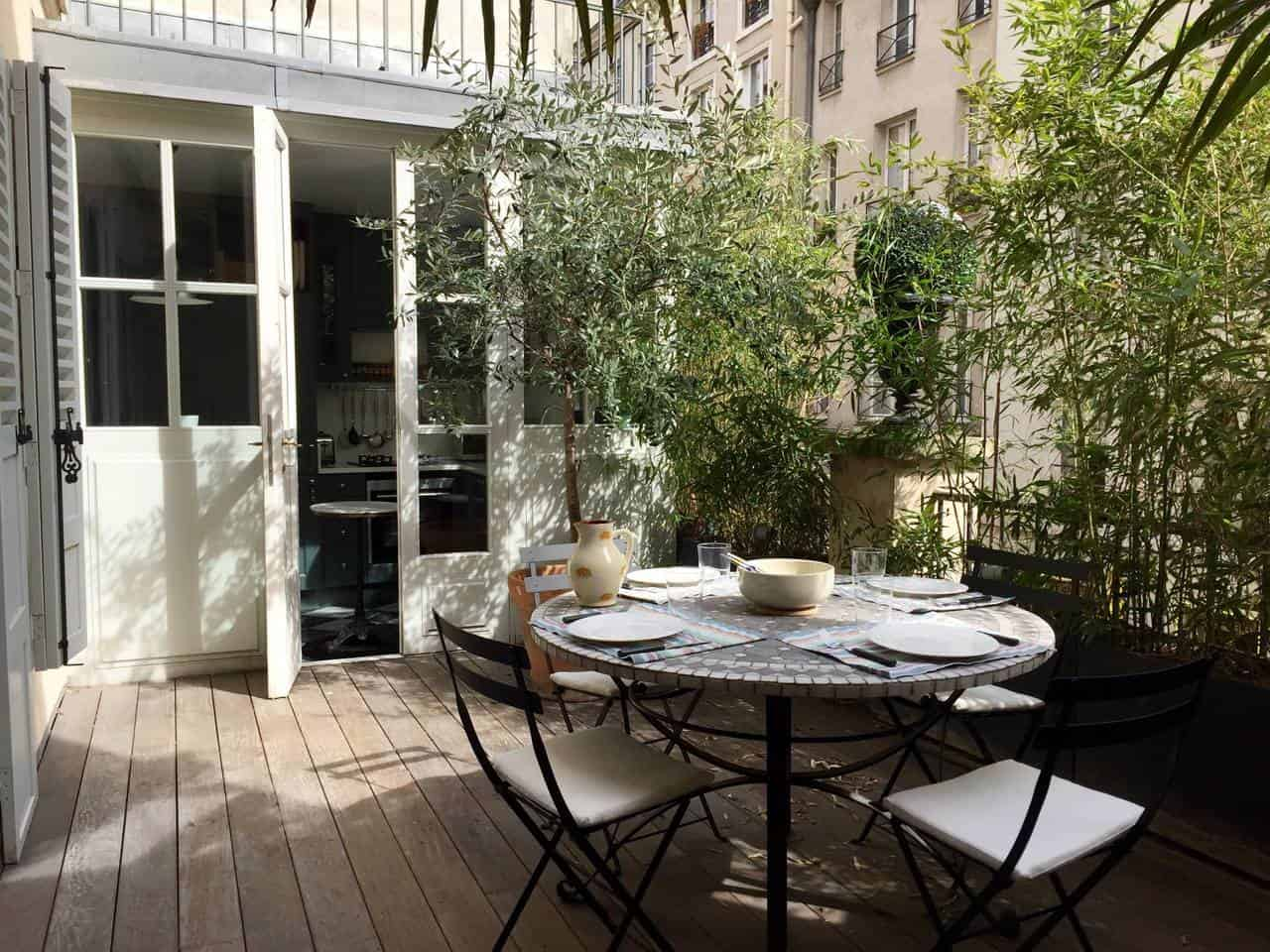 Wow! This Airbnb Paris listing near Latin Quarter is dreamy. You have to see the pictures!