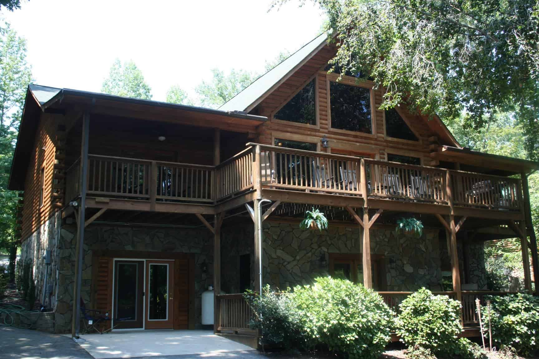 Image of luxury cabin in Sherrills Ford, North Carolina