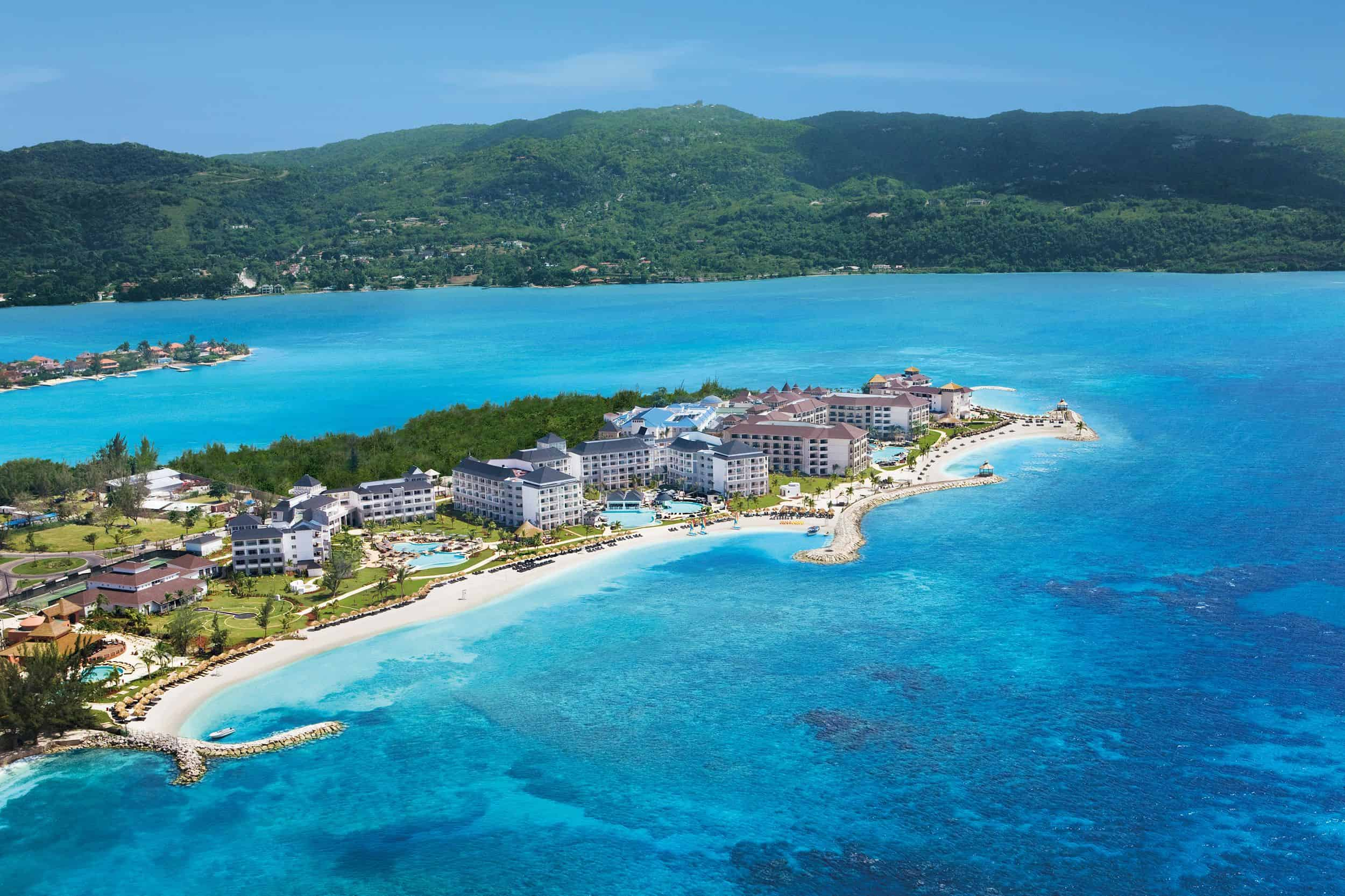 Image of luxury beach resort in Jamaica