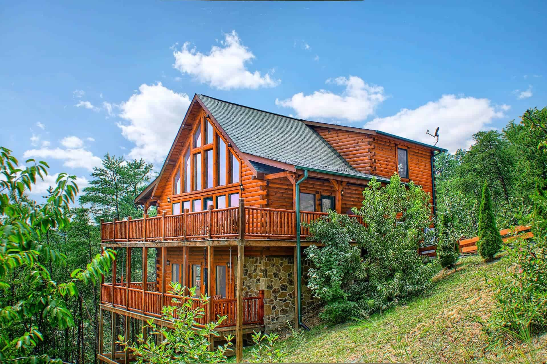 Image of luxury cabin in Pigeon Forge, Tennessee