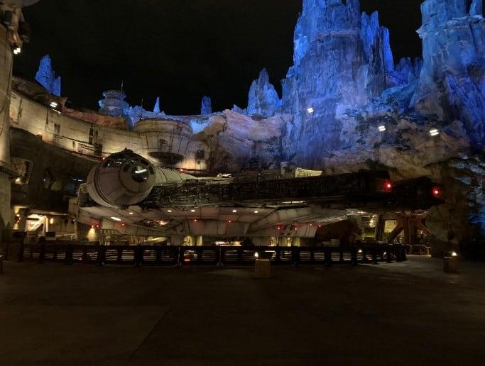 Galaxy's Edge at night in Walt Disney World. Star Wars land