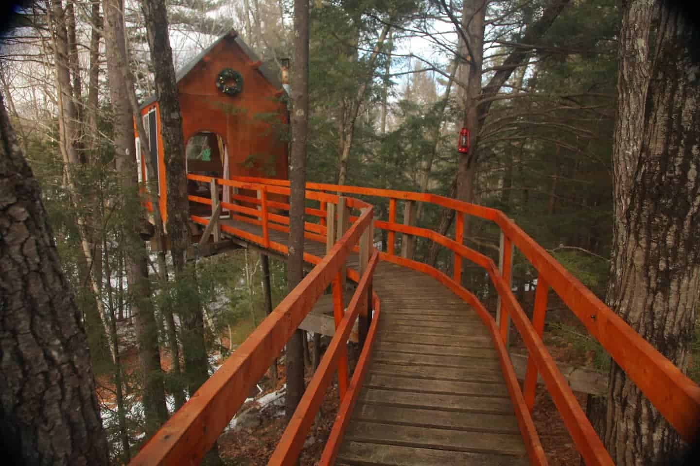 Image of treehouse rental in New Hampshire