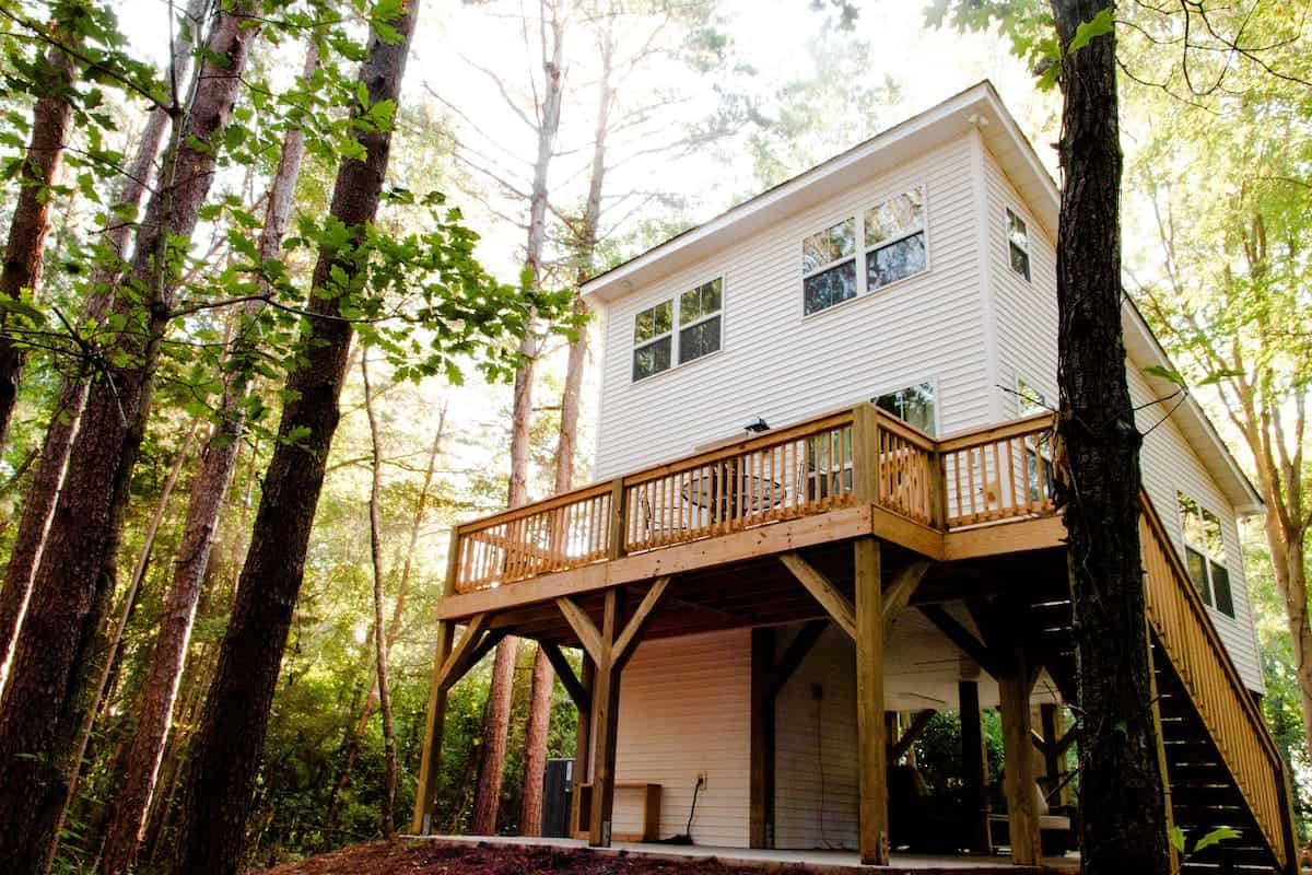 Image of treehouse rental in South Carolina