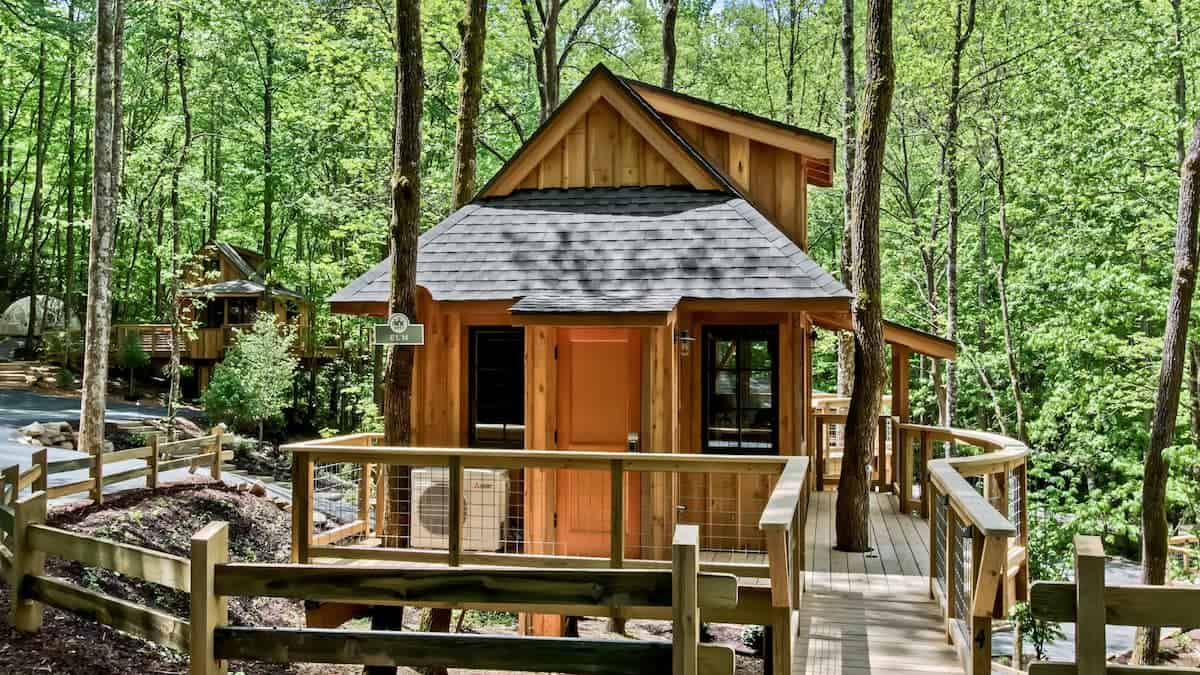 Image of treehouse rental in Tennessee