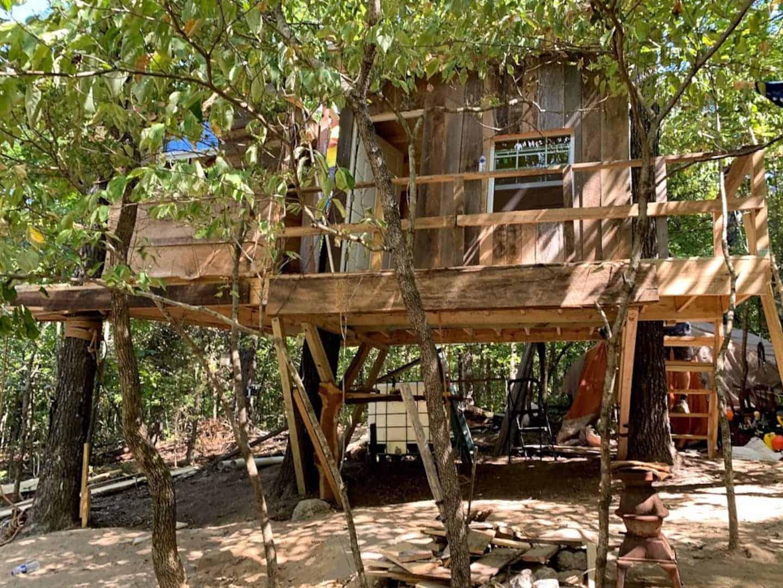 Image of treehouse rental in Arkansas