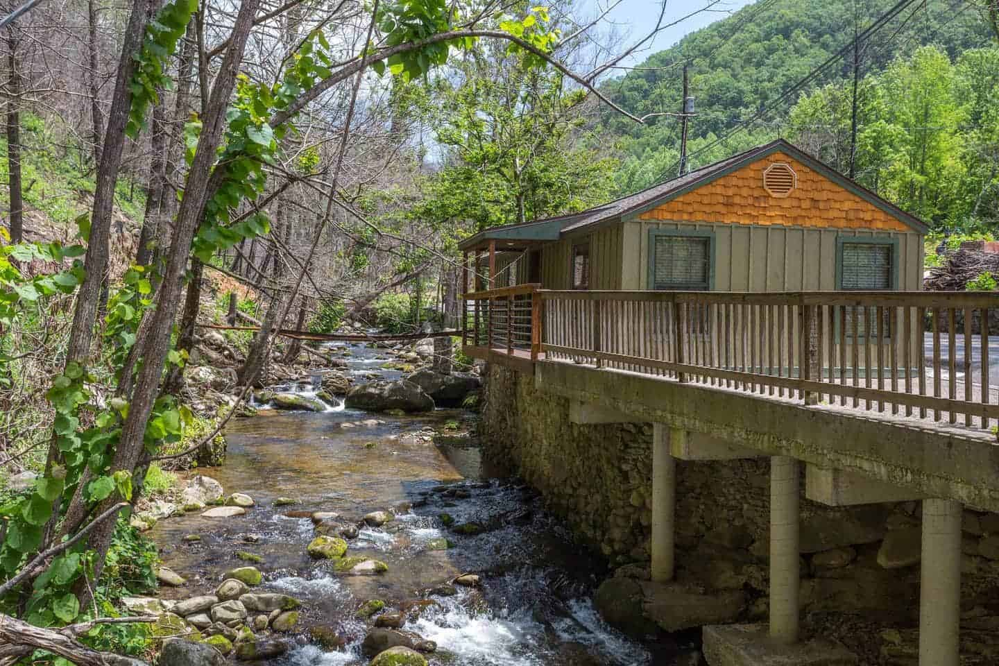 Image of cabin rental in Pigeon Forge, Tennesee