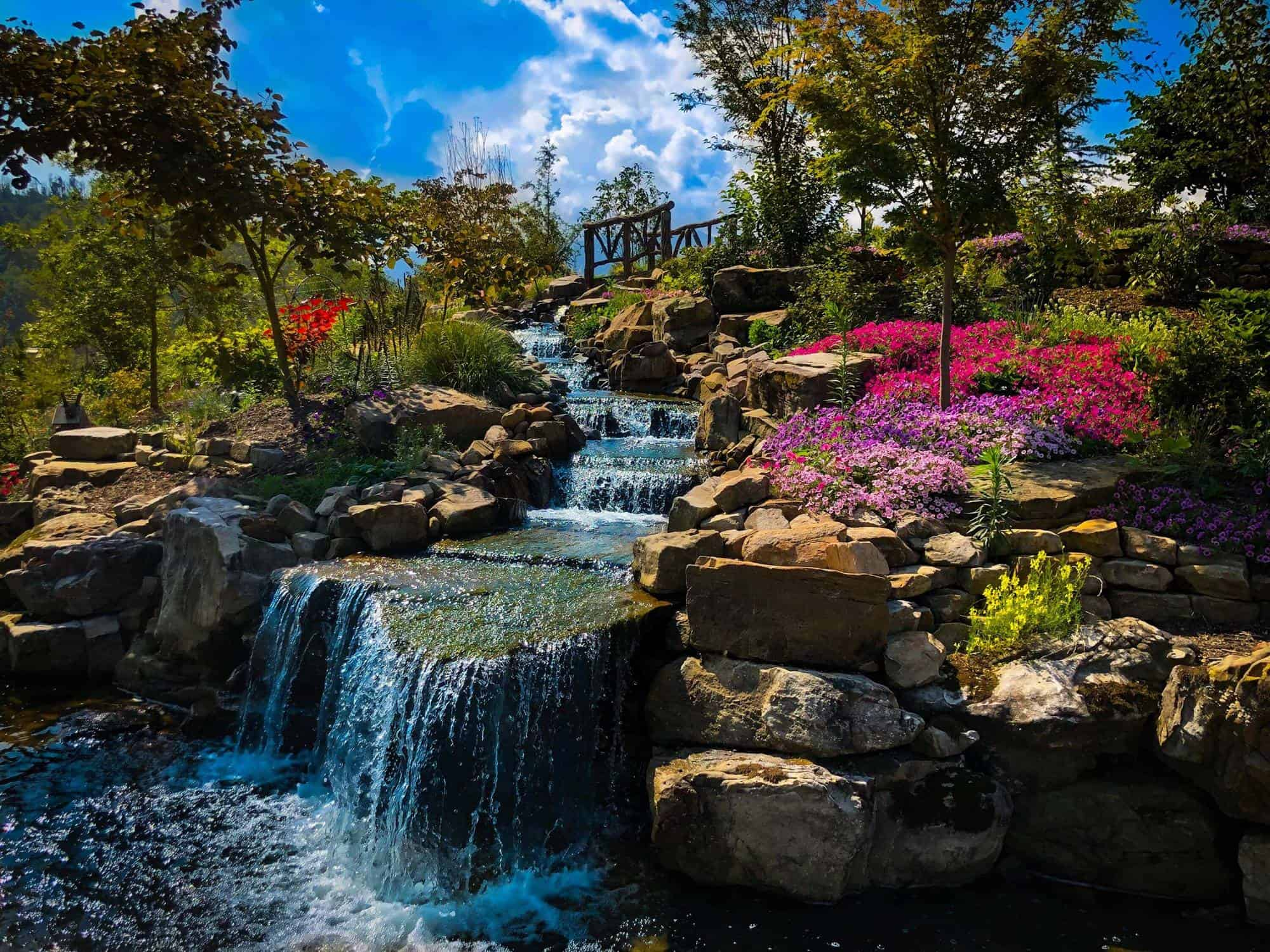 Wow! We found the Best Airbnb Gatlinburg, Tennessee Cabins Rentals. Save time searching!
