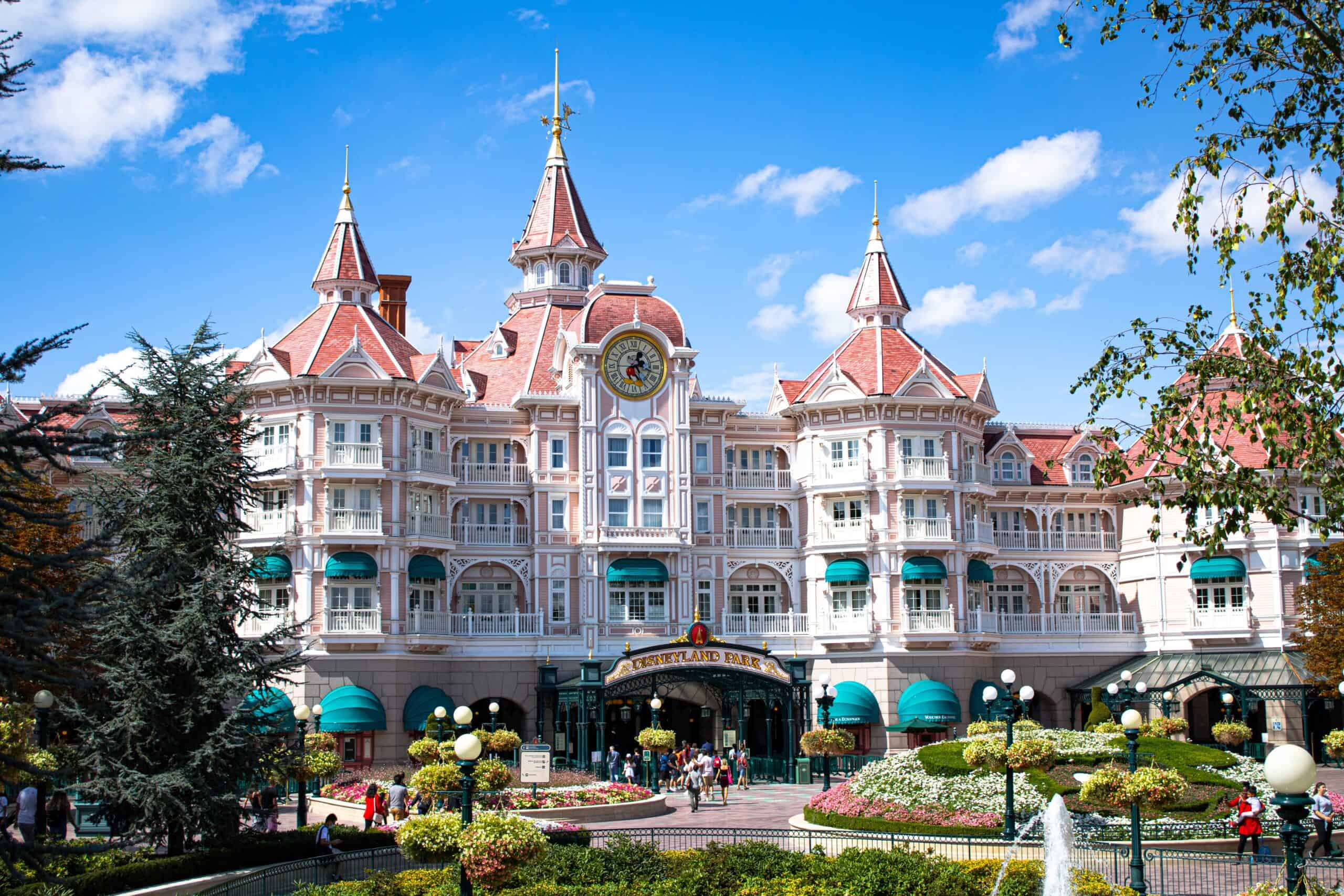 Wow! We found the Best Airbnb Disneyland Paris Rentals. Save time searching!