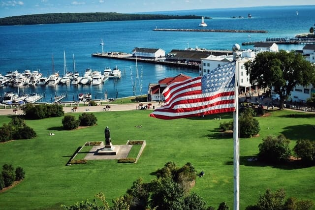 We found the Best Airbnb Mackinac Island Michigan Rentals. Save time searching!