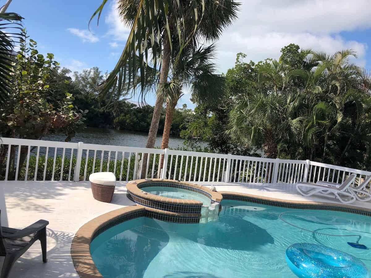 Image of beachfront rental in Florida