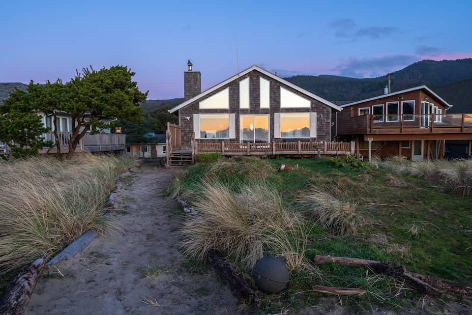 Image of beachfront rental in Oregon